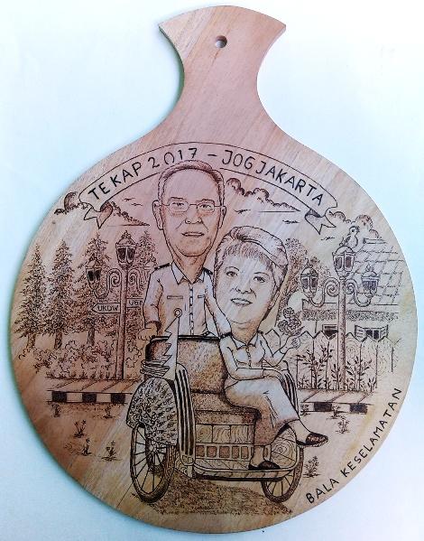 Pirografi Karikatur Couple