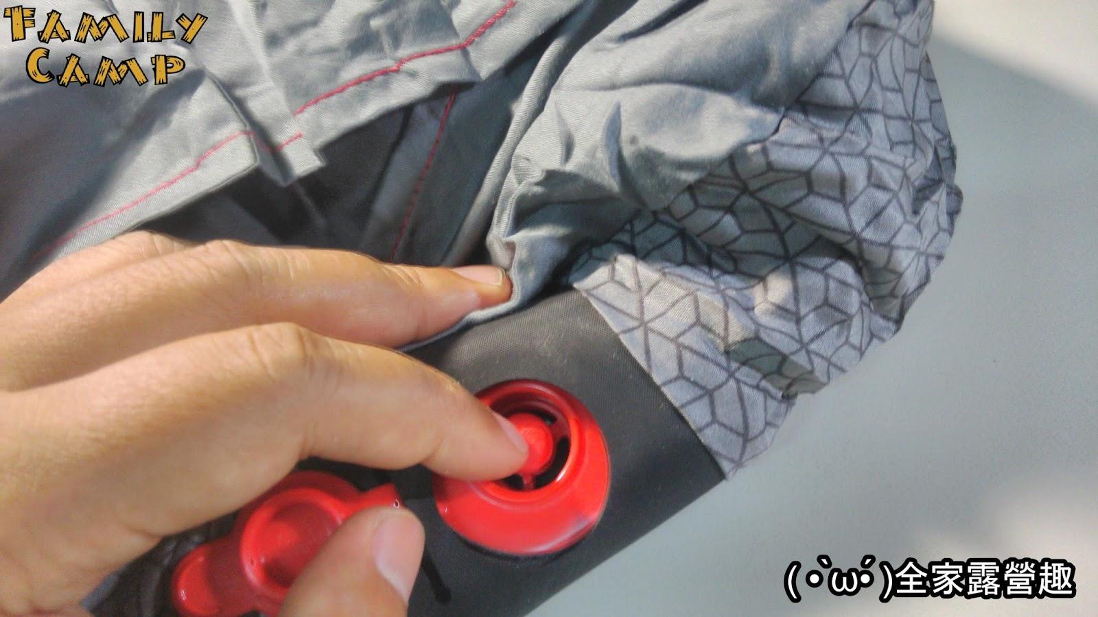 [露營枕頭] 迪卡儂舒適款露營充氣枕頭 QUECHUA - ( • ̀ω•́ )法蘭克黃:露營旅行雞絲頭~♪
