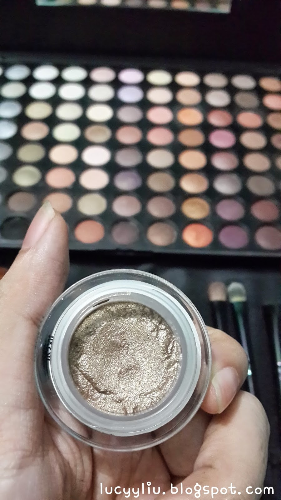 Calvin Klein Tempting Glimmer Sheer Eye Shadow review