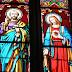 Vitraux : Jésus remet les clés du Royaume à Pierre