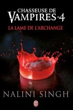 http://lachroniquedespassions.blogspot.fr/2014/07/chasseuse-de-vampires-tome-4-la-lame-de.html