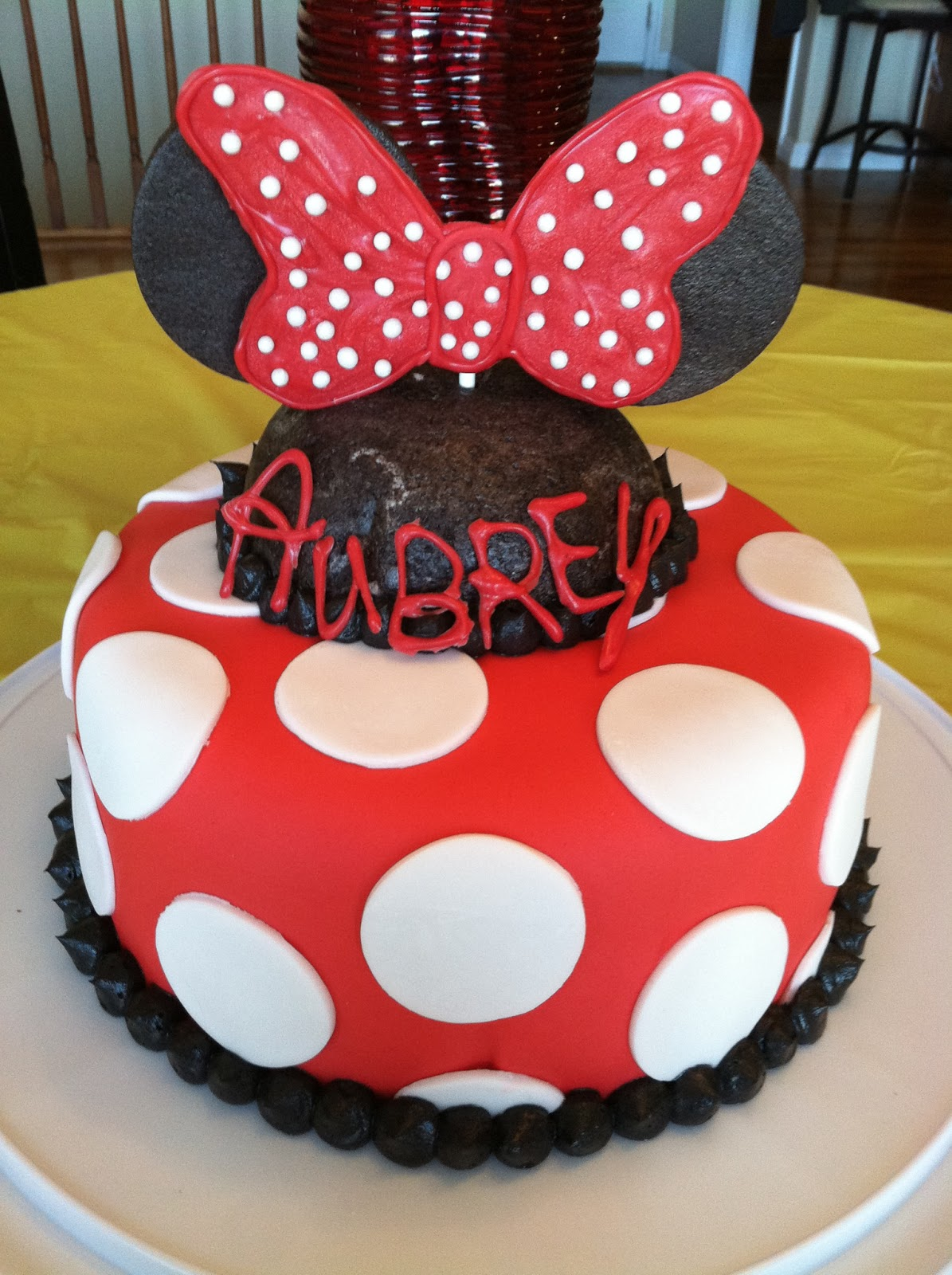 Minnie Mouse Cake With Marshmallow Fondant