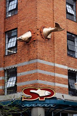 Resultado de imagen de escultura del salmon portland