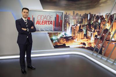Luiz Bacci no estúdio do Cidade Alerta. Crédito: Antonio Chahestian/ Divulgação Record TV