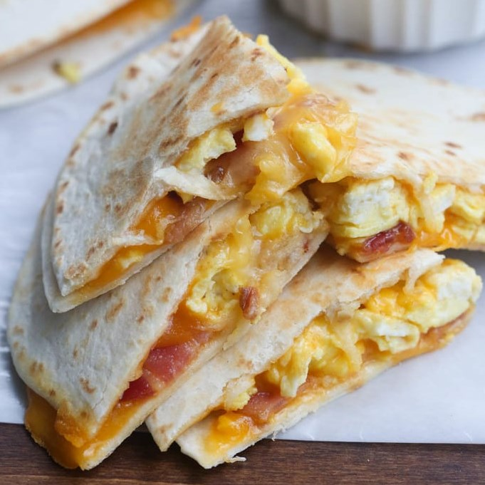 BREAKFAST QUESADILLAS #dinneridea #breakfastfordinner