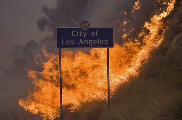 It's now a total of six massive wildfires raging out of control in southern California Worst-brush-fires-southern-california-los-angeles