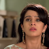 Yug stops Leela from leaving the house In Kala Teeka