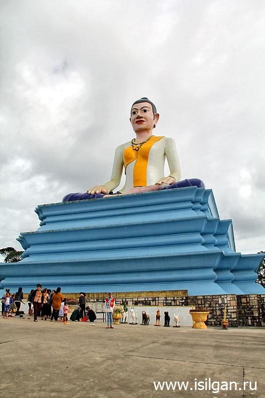 Памятник Лок Йеай Мао. Национальный парк Бокор. Камбоджа