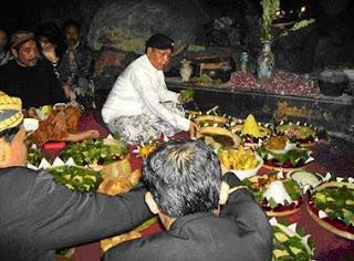Tradisi Pesta Sedekah Bumi- novieffendi.com