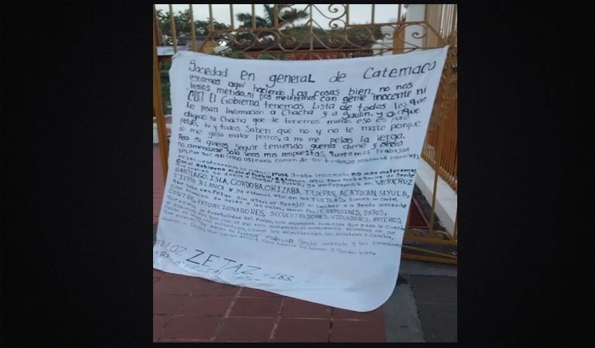 VERACRUZ: CJNG deja narcomantas en colonias de Coatzacoalcos