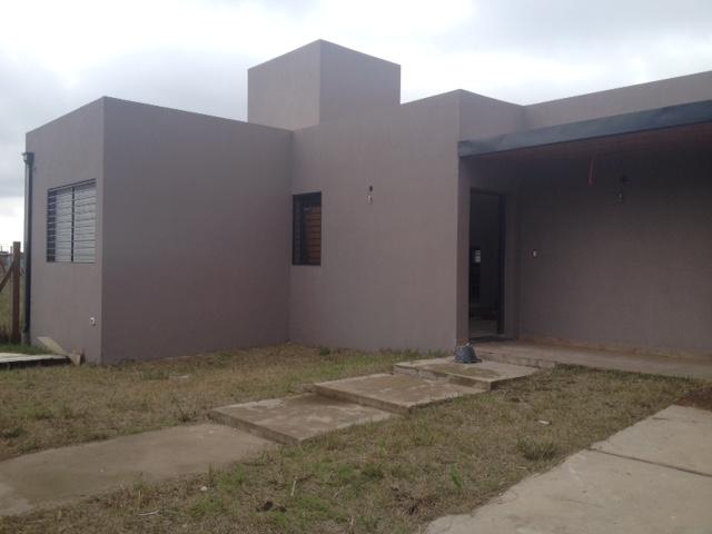 Brick construye casas minimalistas modernas en roldan for Casas minimalistas 2016