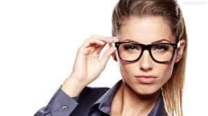 Hoje no blog vamos falar na importância de usar óculos no grau certo. Quem usa óculos sem prescrição médica está cometendo um grave erro, se não for o grau adequado, saiba mais no blog.