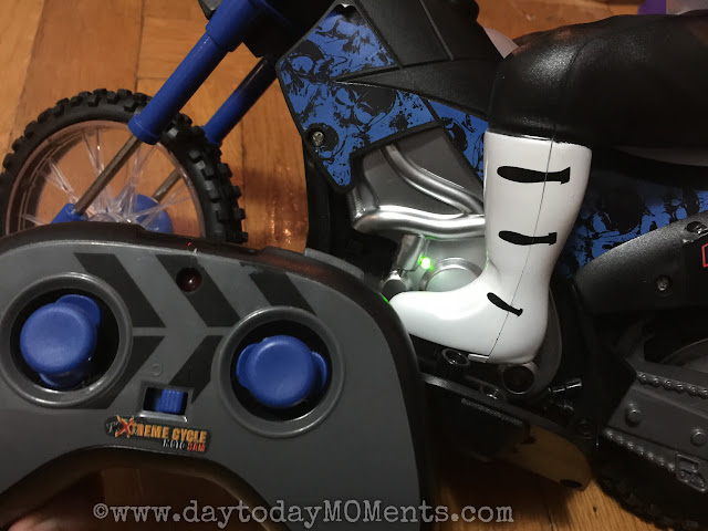 wicked cool toys Xtreme Cycle Moto-Cam