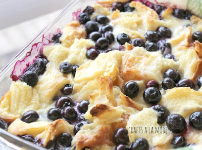 How to make a bread pudding with blueberries.