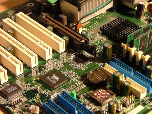 Panduan Perawatan Seputar Hardware Komputer
