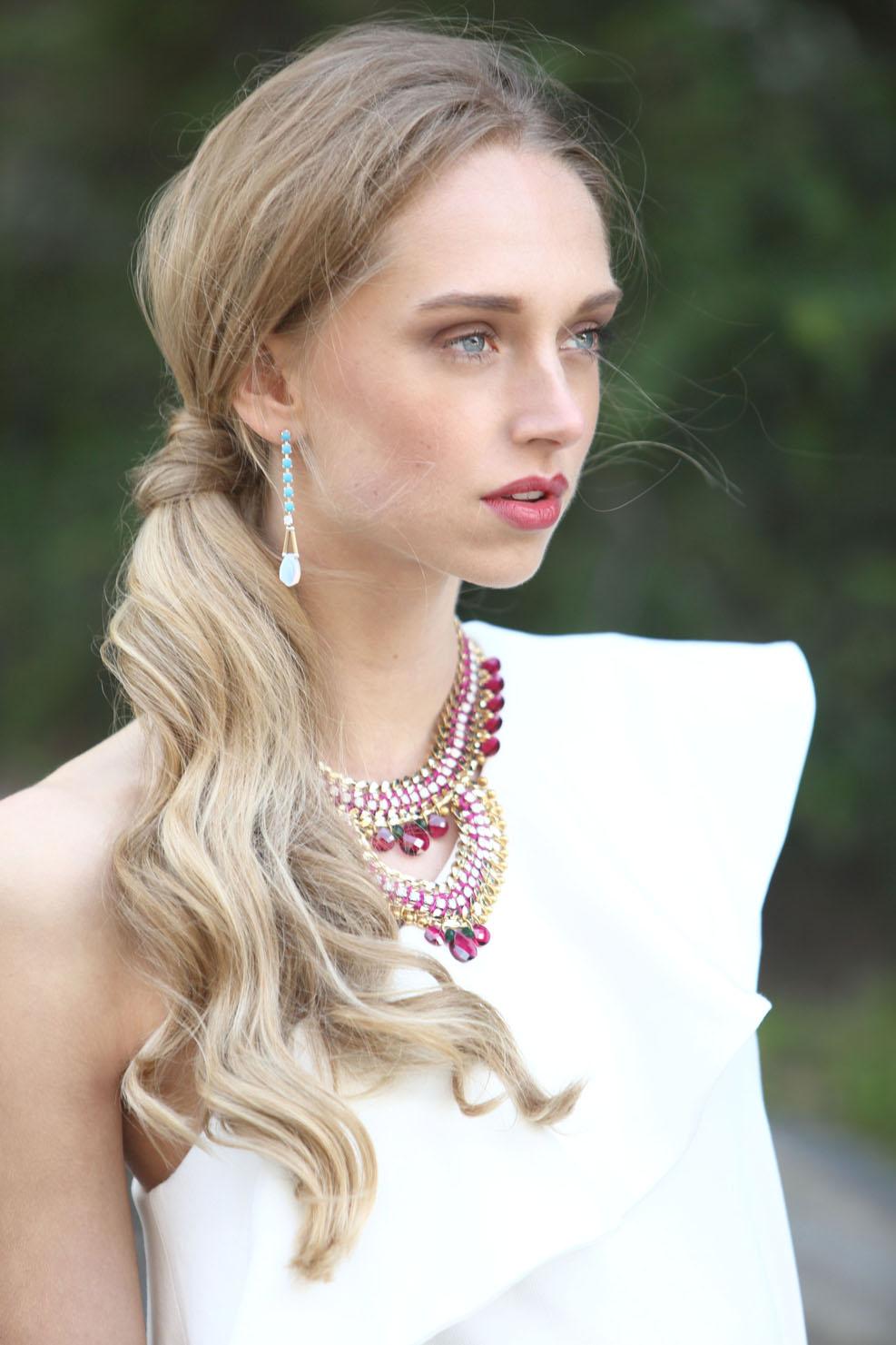 Diversión y halagos peinados modernos Colección de ideas de color de pelo - Moda Cabellos: Modernos Peinados de lado para fiestas - 2015