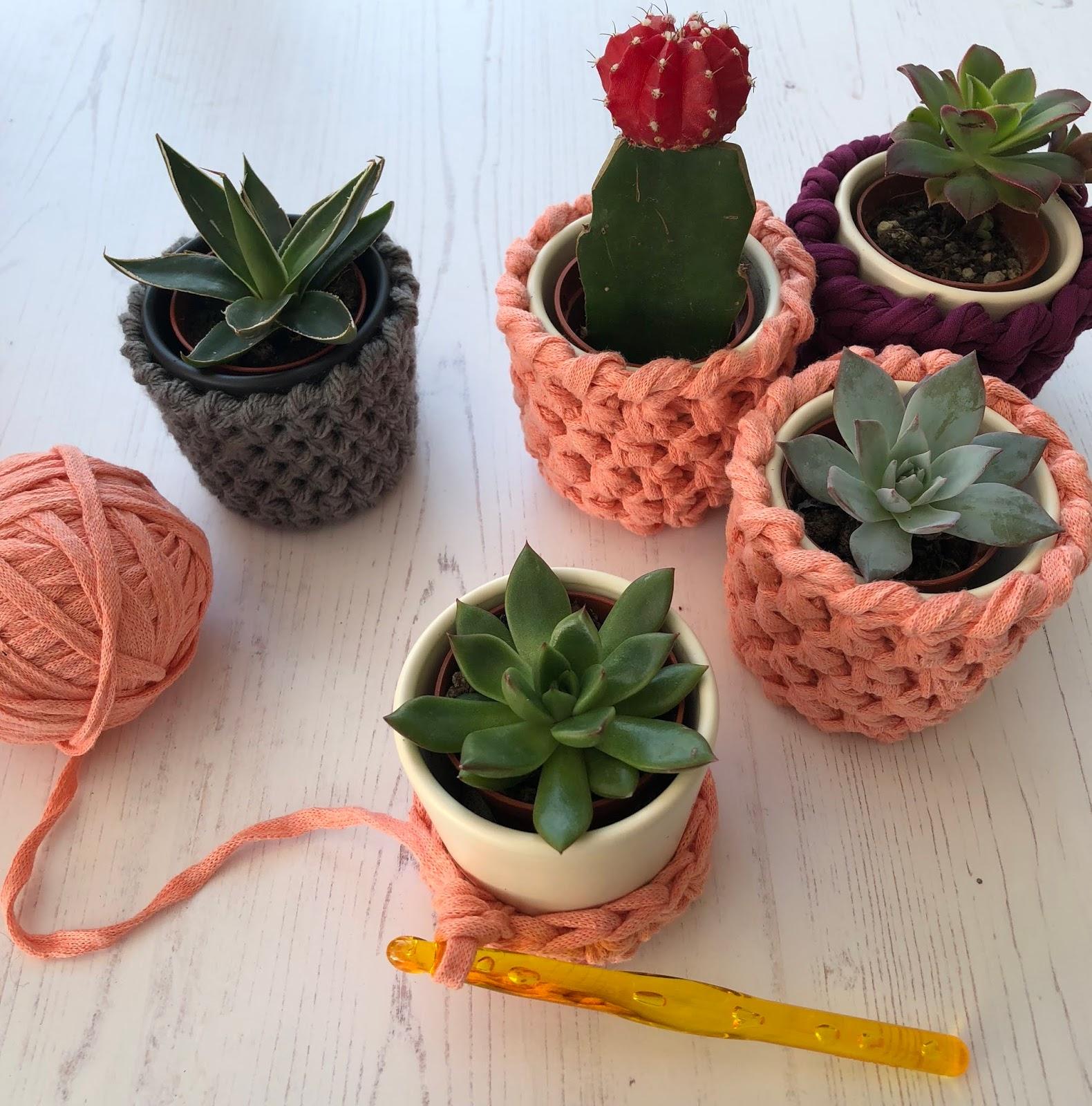 Hello Moon Crochet & Plant pot covers-free crochet pattern