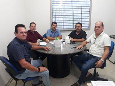 Secretário de Infraestrutura busca esclarecimentos da Casal sobre obra nas principais ruas de Delmiro Gouveia