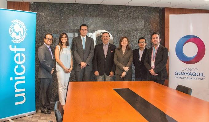 Banco Guayaquil firma convenio con Unicef