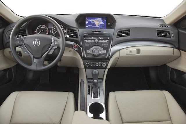 2013 Acura ILX Tech interior