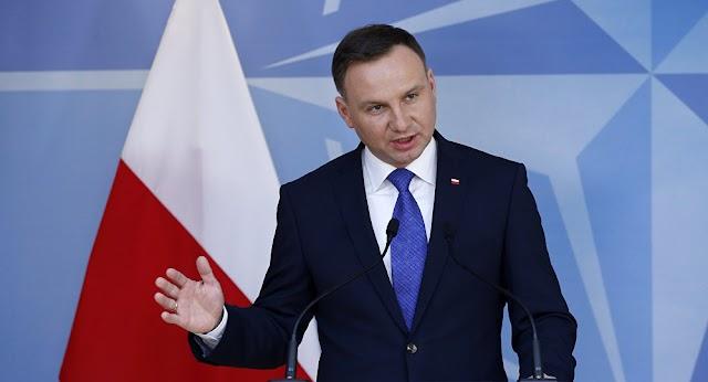 Presidente da Polônia diz que irá sancionar lei sobre Holocausto