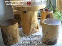 Meja teras kayu trembesi solid bulat dan kursi solid antik mebel jepara