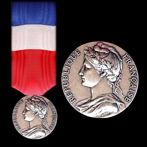 Medaille Du Travail Calcul Des Annees Steadlane Club
