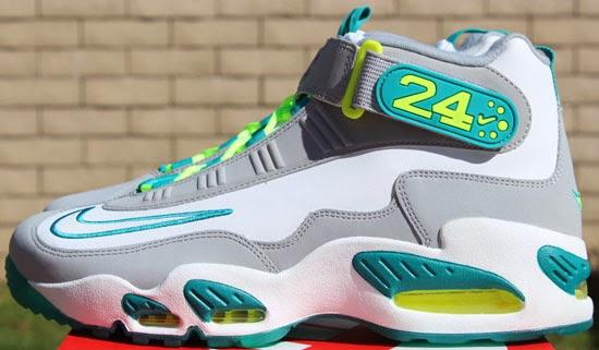 Newest Nike Kobe 9 Elite Low Perspective Neon Turquoise Volt Bla