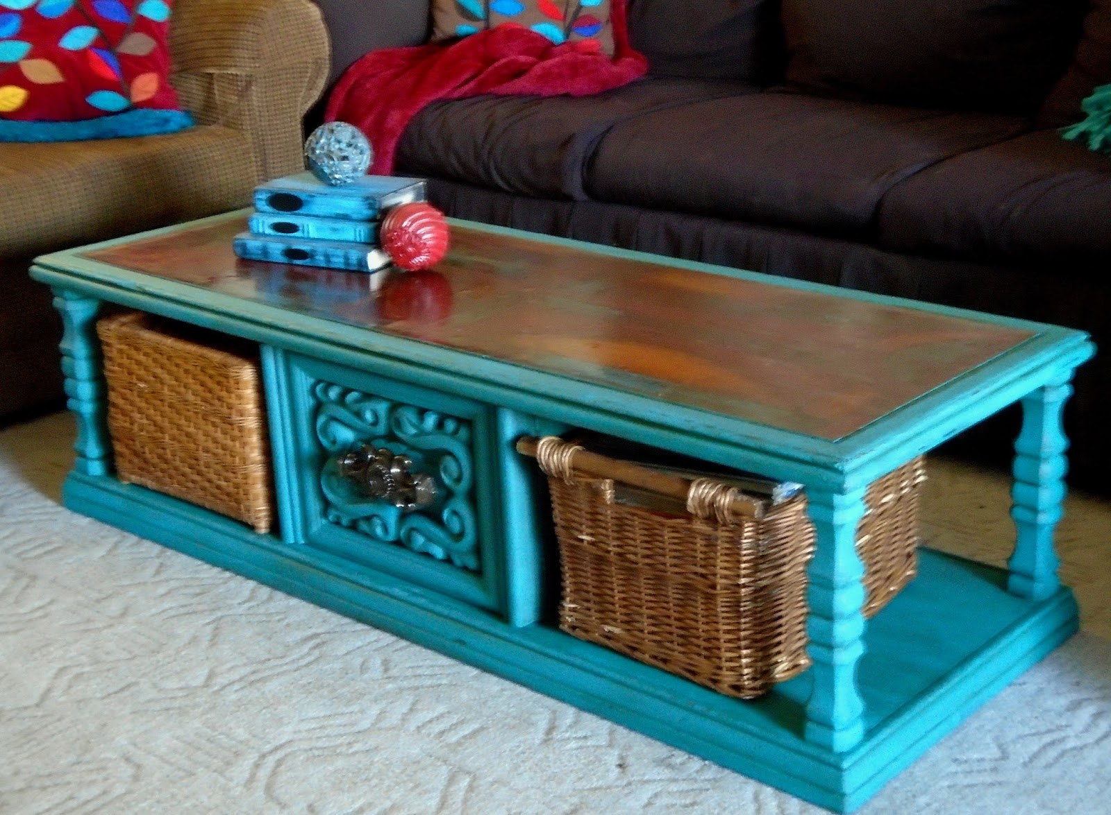 Make the best of things turquoise chalk paint coffee table for Coffee tables painted