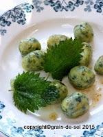 http://salzkorn.blogspot.fr/2015/04/brennnessel-gnocchi-nach-douce-steiner.html