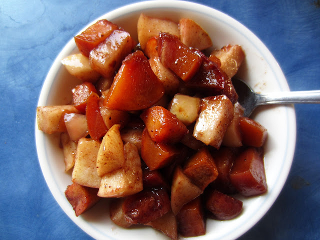 Peach & Apple Breakfast Compote | grain-free, gluten-free, egg-free, dairy-free, refined sugar-free | RaiasRecipes.com