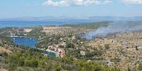 Požar Bobovišća na moru slike otok Brač Online