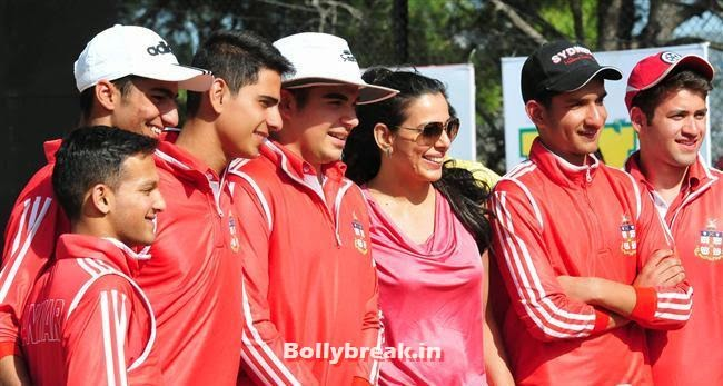 Pooja Bedi, Tanisha & Pooja Bedi at Sanawar Celebrities Cricket League