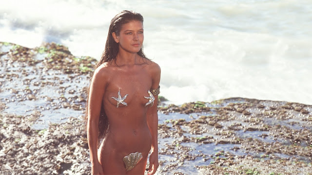 Catherine Zeta Jones hot Wear Shell Bikini
