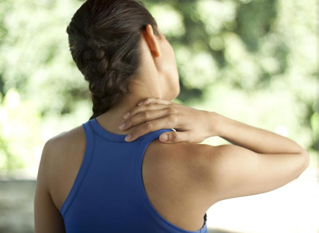 Những triệu chứng cần biết của bệnh thoái hóa cột sống - hình 1