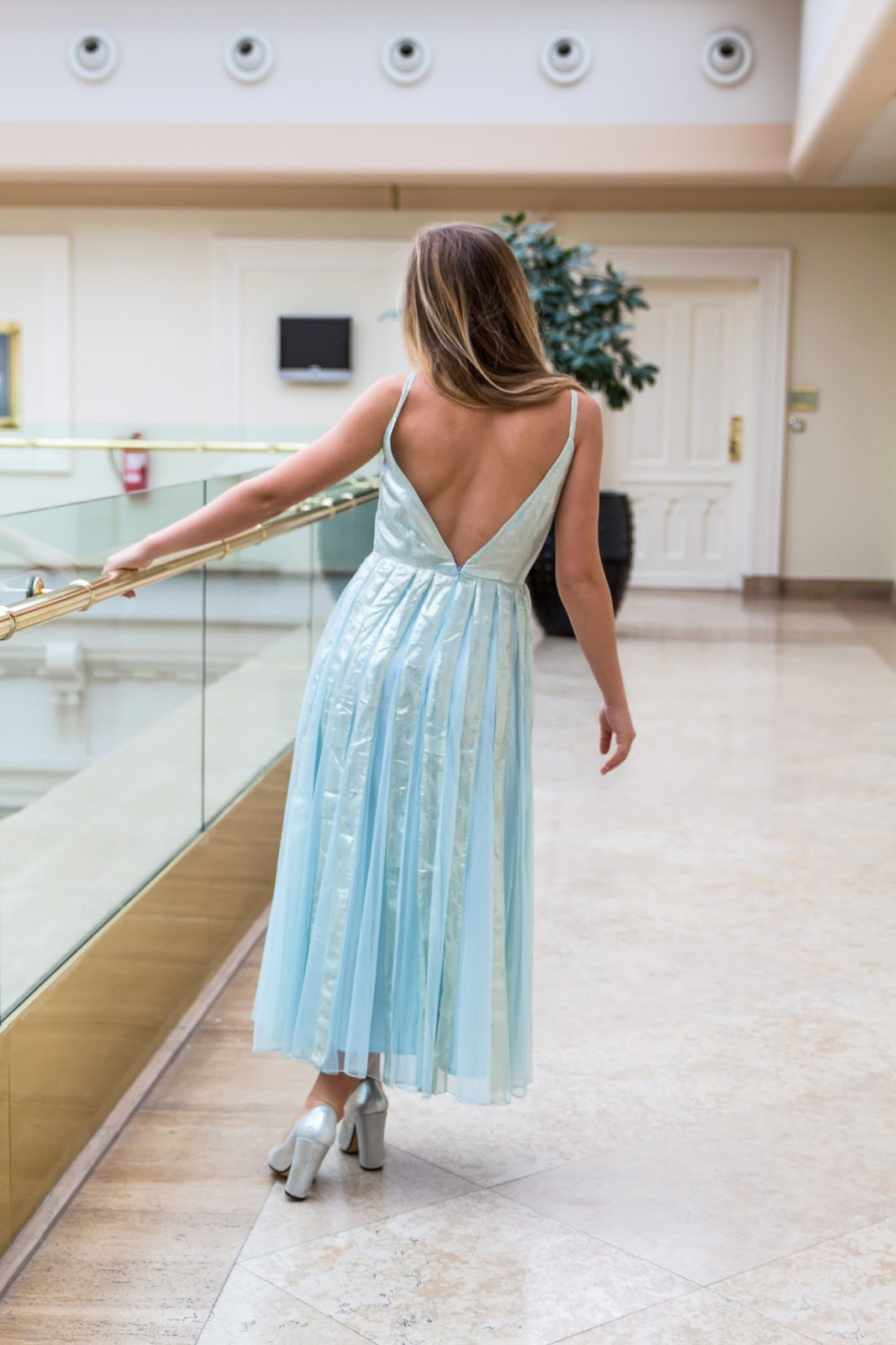 robe fête bleue métalisée