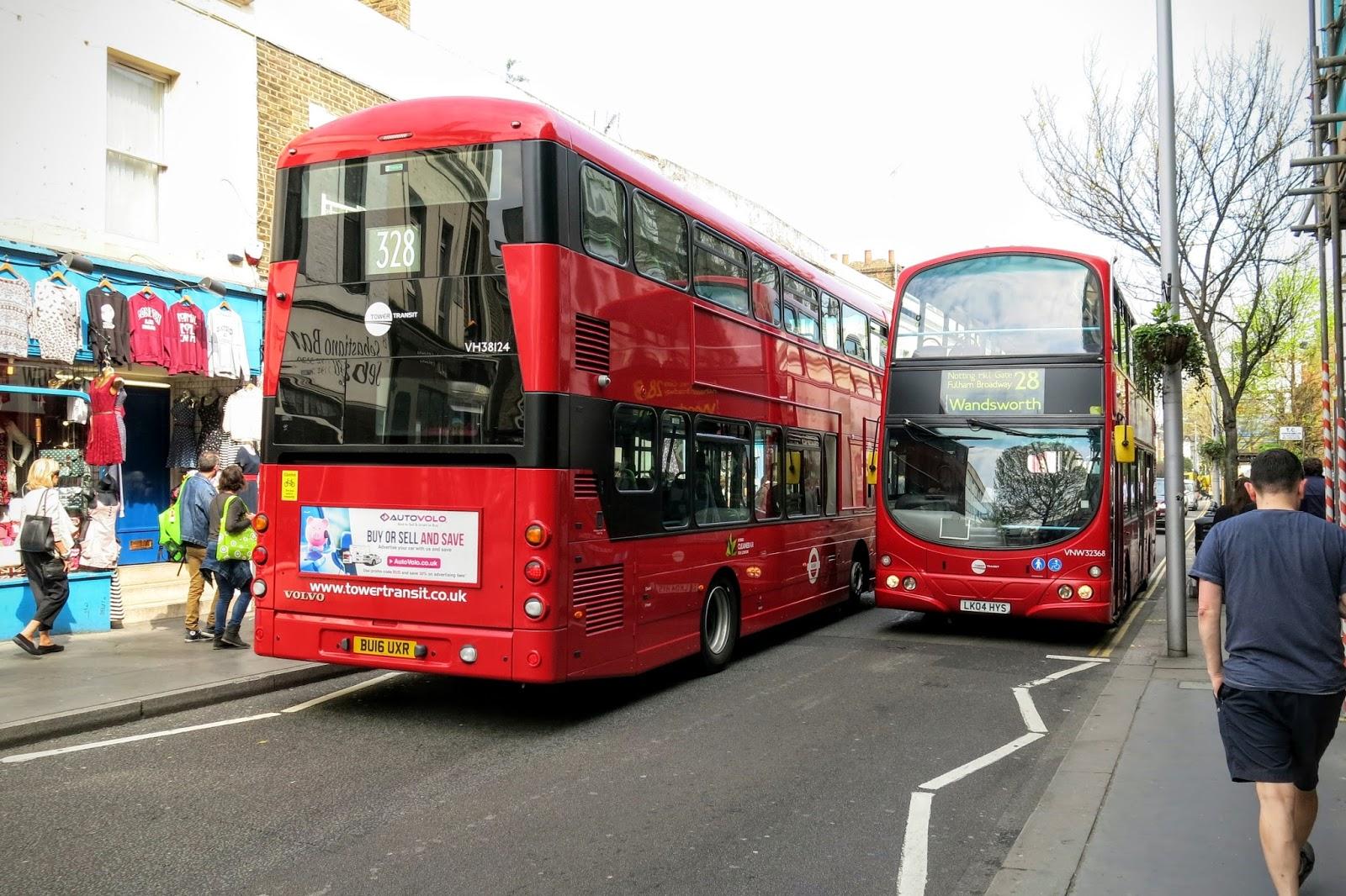 Londýnské metro - tzv. tube - je nejstarší na světě a v některých místech i  nejrychlejší. Rozhodně je v něm taky nejméně místa a nejvíc horko. 4ab17ddab3