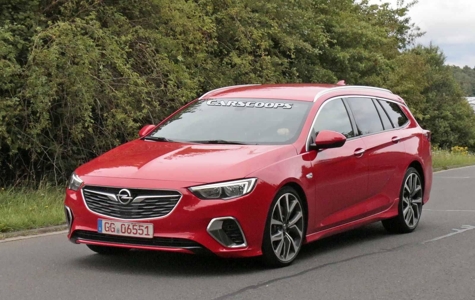 upcoming opel insignia gsi looks good in sports tourer form carscoops. Black Bedroom Furniture Sets. Home Design Ideas
