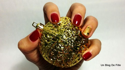 http://unblogdefille.blogspot.fr/2014/12/nail-art-de-noel-christmas-nail-art.html