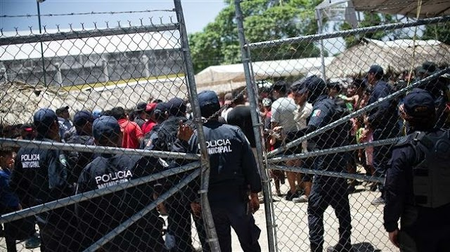 At least 100 Central American migrants arrested in Mexico