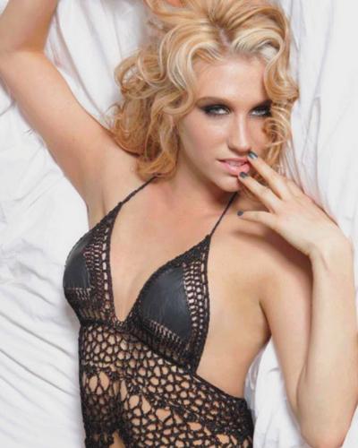 Kesha tits
