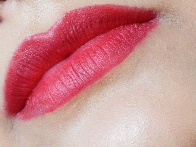 Avon True Color Perfectly Matte Lipstick Red Supreme