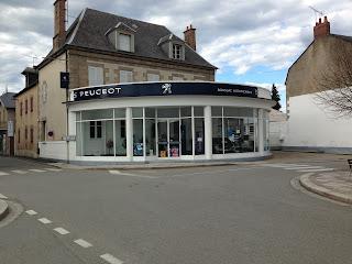vitrine Peugeot à Boussac