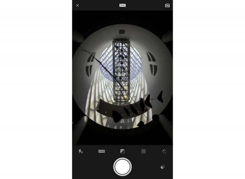 Aplikasi Lightroom untuk iOS Bisa Menangkap Gambar RAW