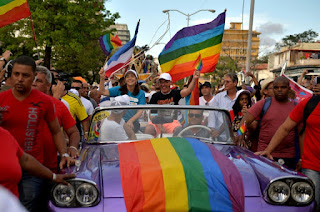 A Cuban government official says Cuba will leave out of its new constitution changes that would have paved the way for legal same-sex marriage, despite majority support in local assemblies.