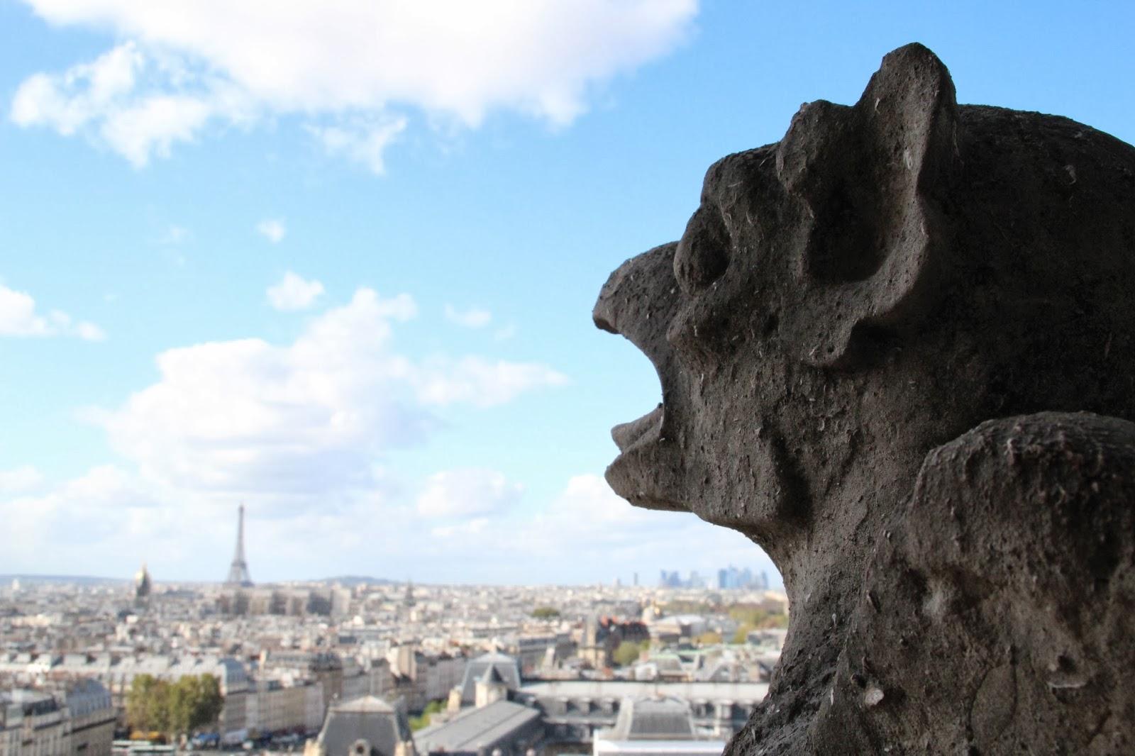 Gargola y Torre Eiffel