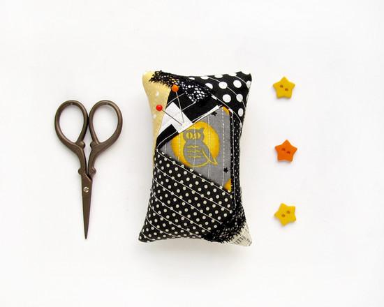 Pincushion patchwork, лоскутная игольница