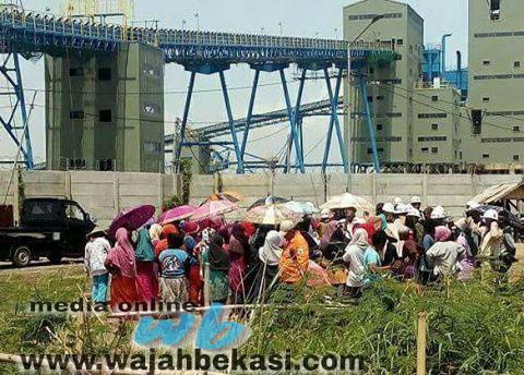 Demo PT CL Tertunda, Warga Babelan Harap Camat Hadir Saat Mediasi
