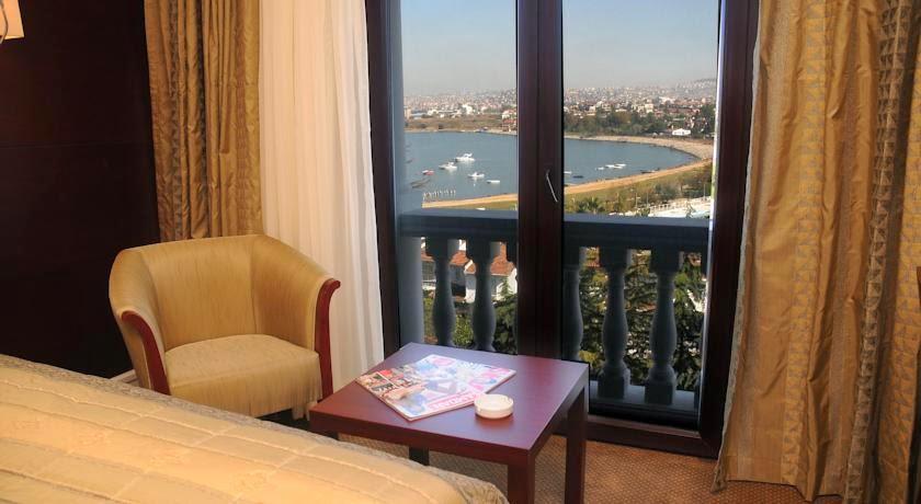 Paradise-island-hotel-deniz-manzaralı-balkon