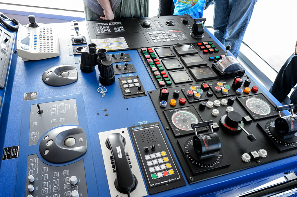 Bridge Controls on the Norwegian Pearl